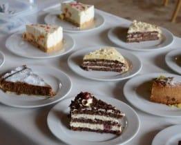 Die Auswahl an hausgemachten Kuchen und Cakes war gross.
