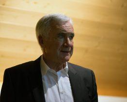Hanspeter Latour erzählt am Kulturanlass 2018 von seinen Naturbeobachtungen im Eriz.